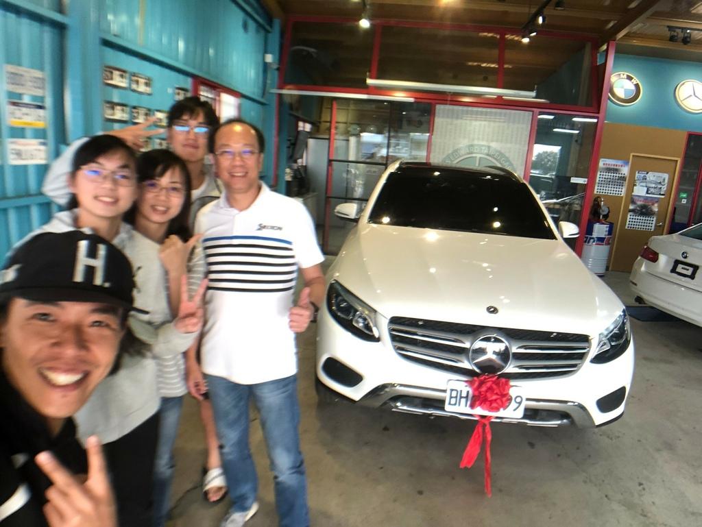 葉大哥的glc300,感謝車友許姐推薦外匯車商,讓ge台北車庫有機會為葉大哥服務