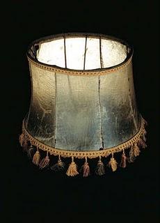 人皮燈罩 人皮燈罩跟任何老舊燈罩沒什麼兩樣
