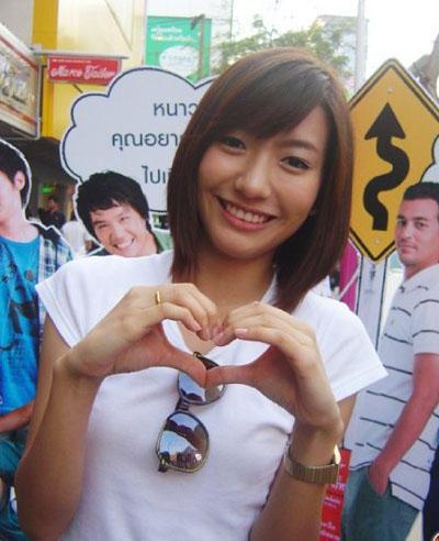 泰國豆花妹 Newwy Patitta 甜美嗓音、迷人外表泰國紅翻天