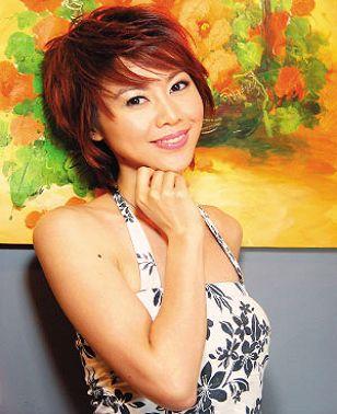 趙彤 趙婉汝 17歲時以「翻版孫燕姿」進入模特兒界