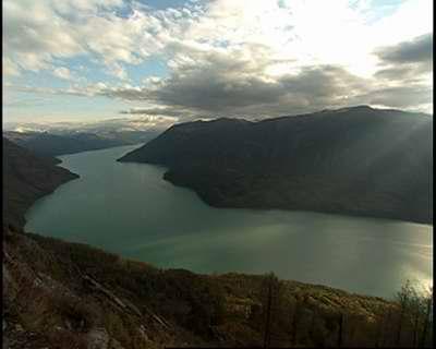 新疆喀納斯湖 湖怪 網友羨慕他們此行能遇到「湖怪」