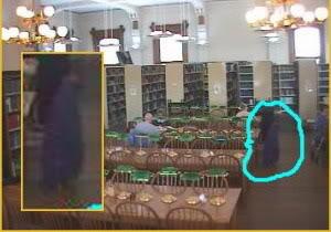 一團好像穿著jacket的大企鵝出現在research room