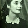 年輕時候的Adriana 非常漂亮。