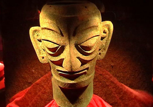 三星堆 尋龍人 四川廣漢三星堆遺址出土大立人、面具、玉器等文物