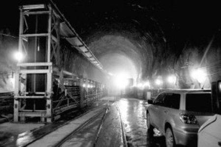 宇宙幽靈 暗物質 全球最深的實驗室,隱藏在四川錦屏山脈的中心