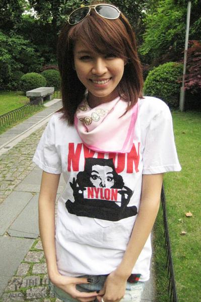 外表甜美、個性坦率開朗的大陸網拍名模韋敏(韋小Mo),早已是網友心目中的第一網拍美女。