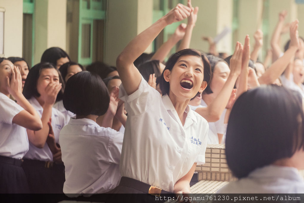 0629 虹茜(中)在《鬥魚》電影版飾演紅豆。(圖:多曼尼提供).jpg