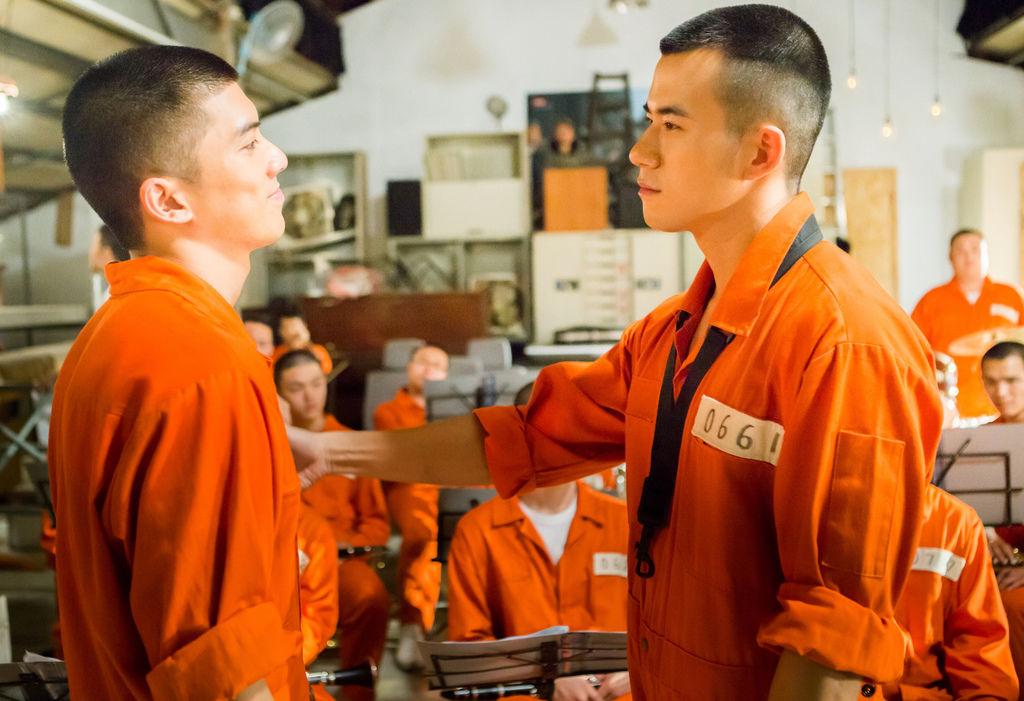 0403 JR紀言愷(右)與林哲熹(左)都曾被貼上標籤。(圖:文達文創提供).jpg