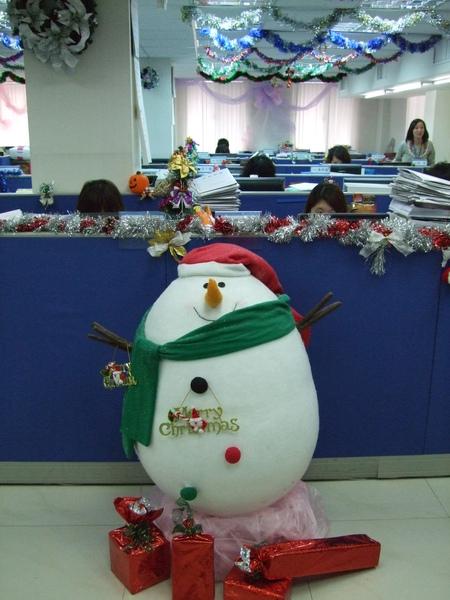 002-吉帝旅遊2009聖誕節3樓-可愛雪人特寫.JPG