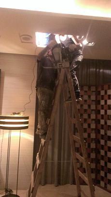 大廳天花板夾層抓漏