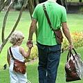 幸福+可愛的父子背影