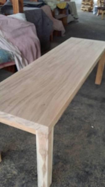 柚木桌研磨拋光尚未上漆