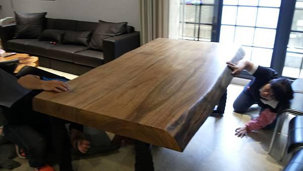 中壢馬來原木桌椅