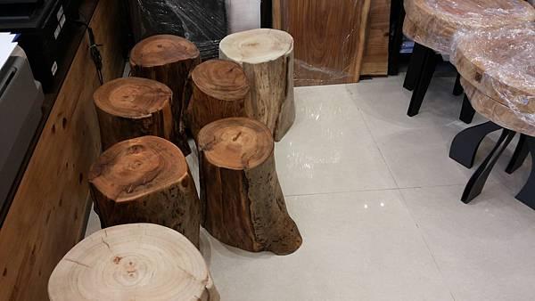 台灣檜木和高山香樟原木柱