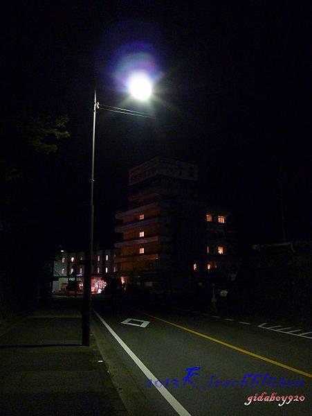晚上的白浜街道