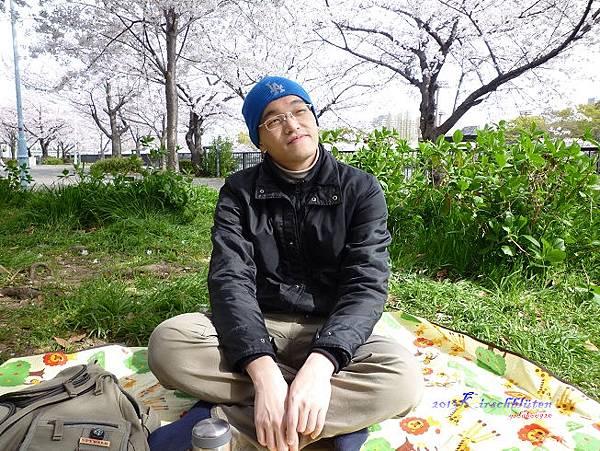 櫻之宮公園席地而坐
