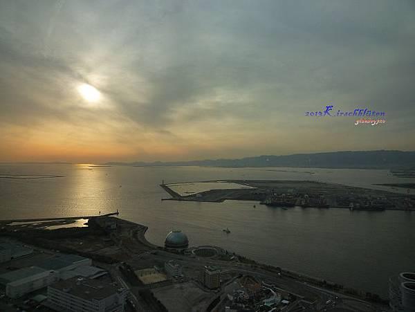 大阪府咲洲庁舎展望台看大阪港夕陽