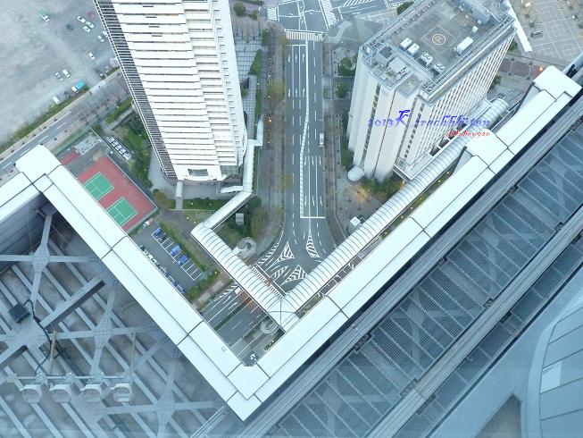 大阪府咲洲庁舎展望台看地面