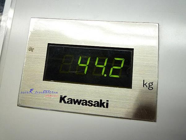 3個行李箱總重44.2公斤