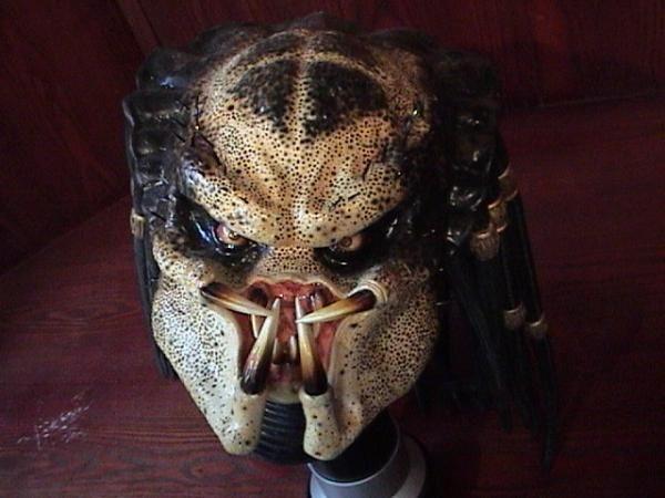這個面具也很酷!可是好貴......