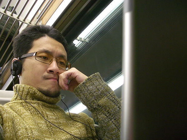 在火車上寫小說