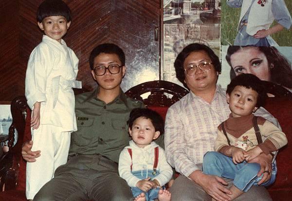 三叔跟我爸