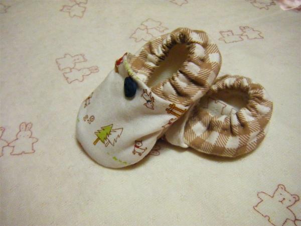 葉YAYA小朋友的小寶寶鞋.JPG