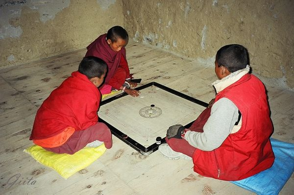 kids playing carrom.jpg