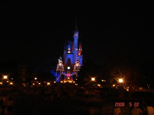 夜晚的灰姑娘城堡