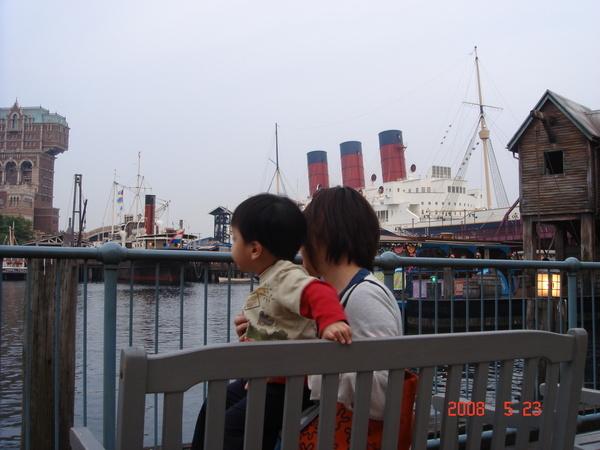 好大的船哪