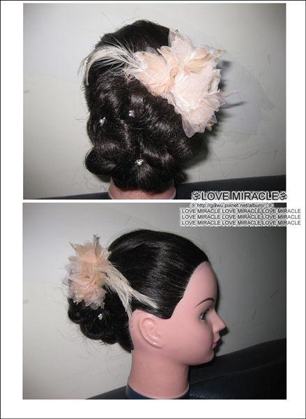 造型1-GG很喜歡這款造型,尤其是髮量多的水水,梳起來的話,這捲花會更大更漂亮。