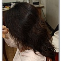 因為前一天先到庭瑀家修眉毛,所以雖然是第一次作伴娘的造型,但,一點也不緊張哩~