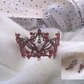 紅色立冠.jpg