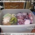 其他顏色花花的家,這箱最大箱,住滿了各式各樣各種顏色的頭花,有粉紅、藍色、綠色、紫色、金色、黑色、黃色AND其他顏色,GG都照顏色來分類,分成一盒一盒,這樣花花們才不會被壓壞哦