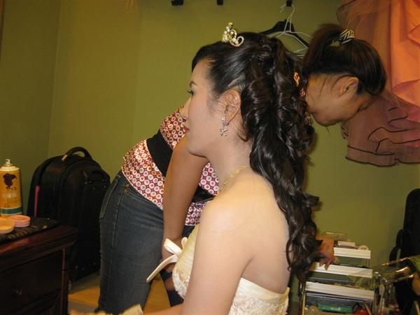 梅子晚宴進場的造型-浪漫公主