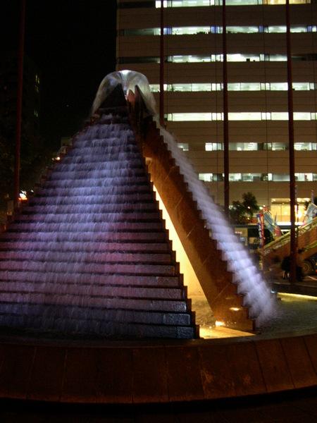 1207淡紫色金字塔