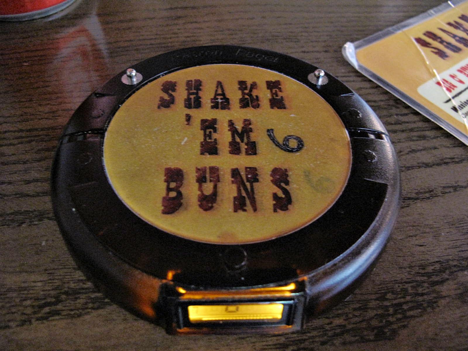 shake em buns 039
