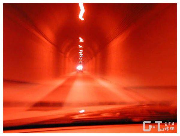 花蓮隧道內