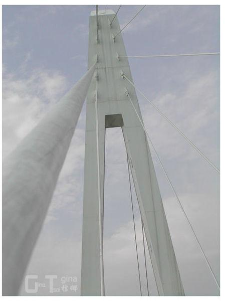 淡水漁人碼頭單臂吊橋