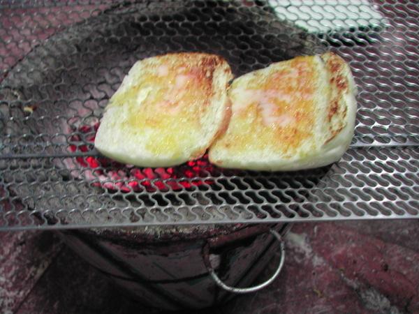 東港烤白饅頭