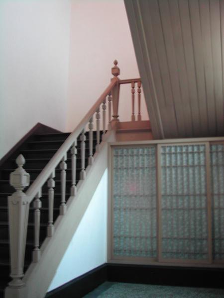 吳園內樓梯