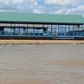新建的水上學校