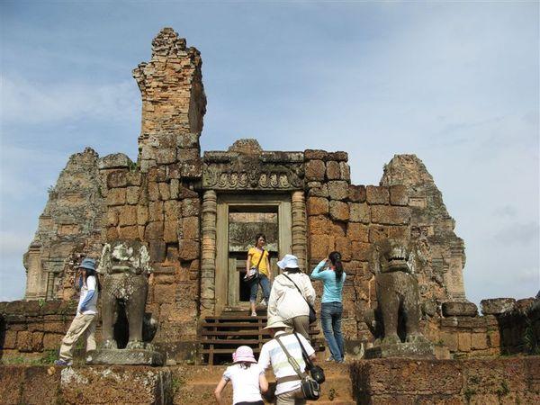 東梅蓬寺為歷代國王祭祀祖先的祭壇