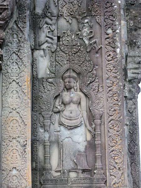 廟門柱子上的浮雕