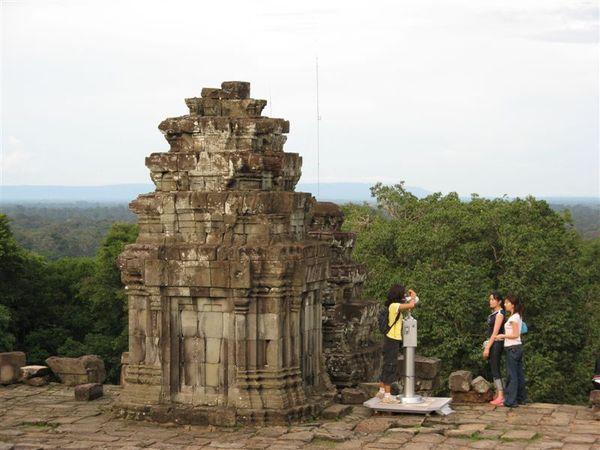 巴肯寺最上層其中的一座塔