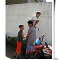 總統府對面偷芒果的小孩