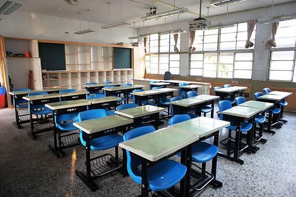 乾淨的新教室8.jpg