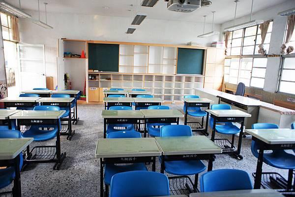 乾淨的新教室1.jpg