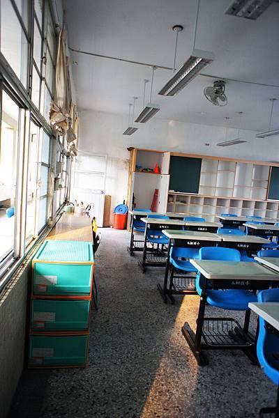 乾淨的新教室2.jpg