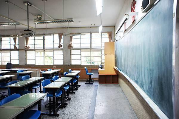 乾淨的新教室3.jpg